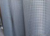 Ponthegesztett háló horganyzott vashuzalból, 6 x 6 mm osztású, 100 cm magas, 0,63 mm-es huzalvastagság, 25 fm / tekercs
