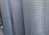 Ponthegesztett háló horganyzott vashuzalból, 10x10 mm szemméret, 100 cm magas, 0,8 mm-es huzalvastagság, 25 fm / tekercs
